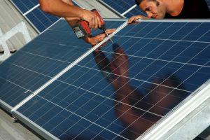manutenzione controllo e assistenza pannelli solari fotovoltaici